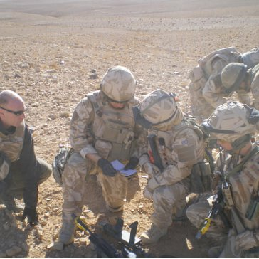 Army briefing in the desert